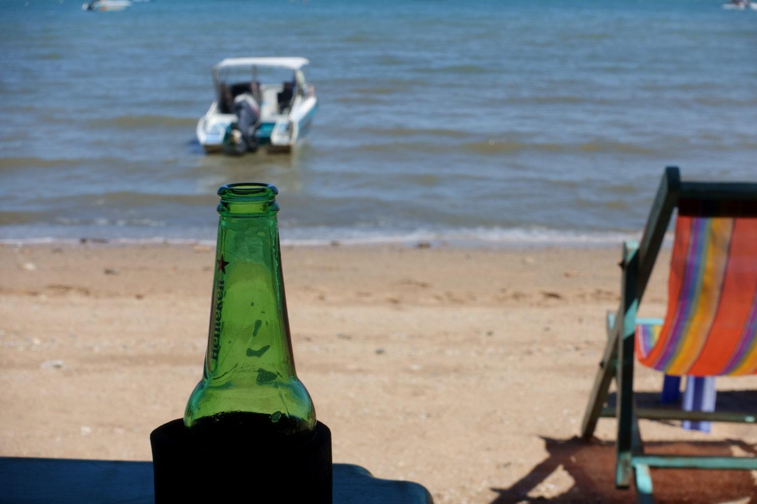 パタヤビーチとビール